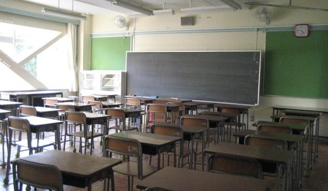 プロの視点。塾の授業と学校の授業。学校をおろそかにしがちですが、積極的に活用すべき。